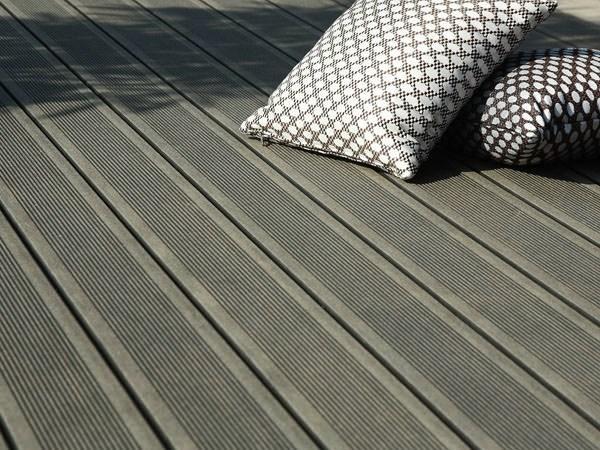 Di quale materiale scegliere i pavimenti da esterno
