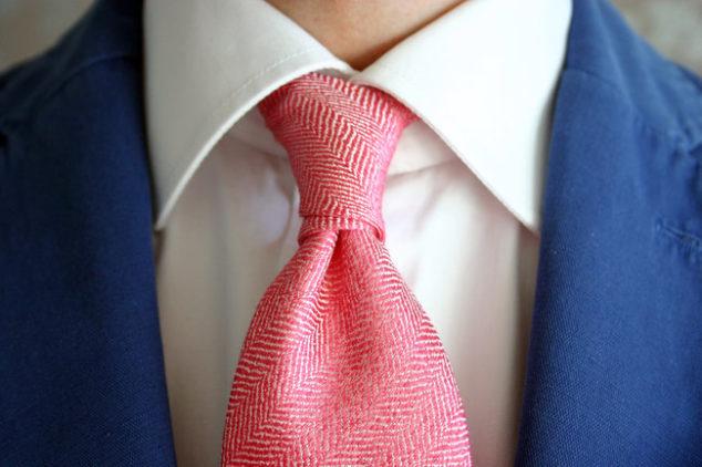Tre consigli su come mettere una cravatta